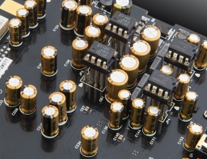 Component-Gold Capacitor